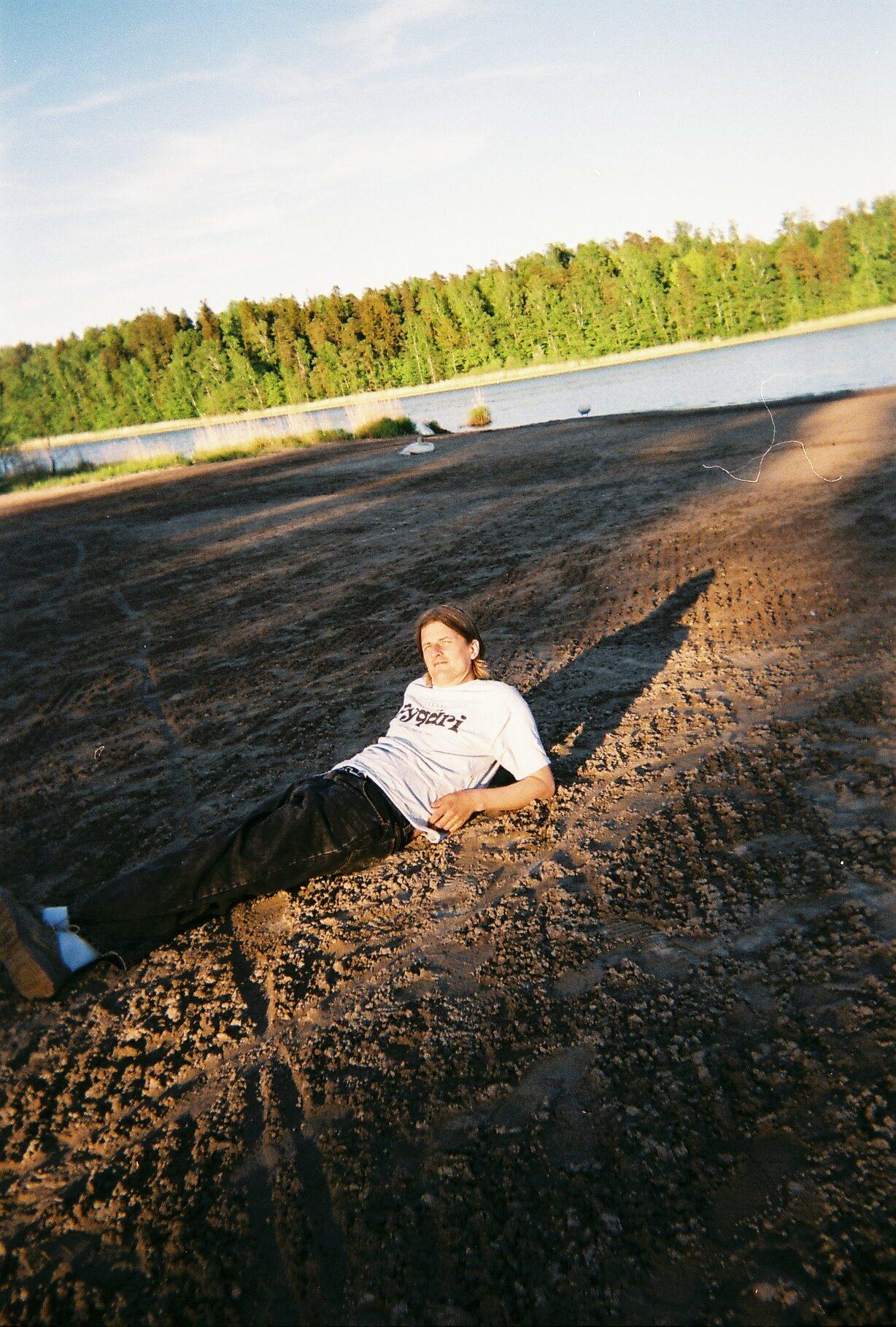 Tuottajana tunnettu Pykäri siirtyi laulamaan itse, albumi julkaistaan 18.6.